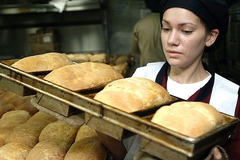 Alternante dans une boulangerie